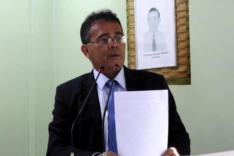 Rai Cardoso apresenta recibo de quitação de empréstimo no caso da gasolina